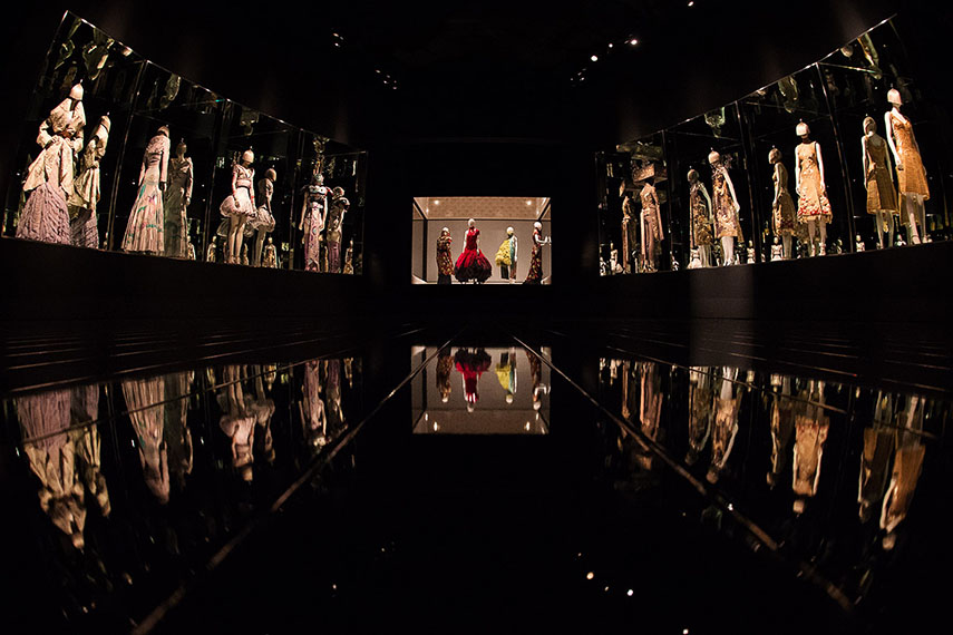 alexander mcqueen most exhibition open 2015 albert designer people