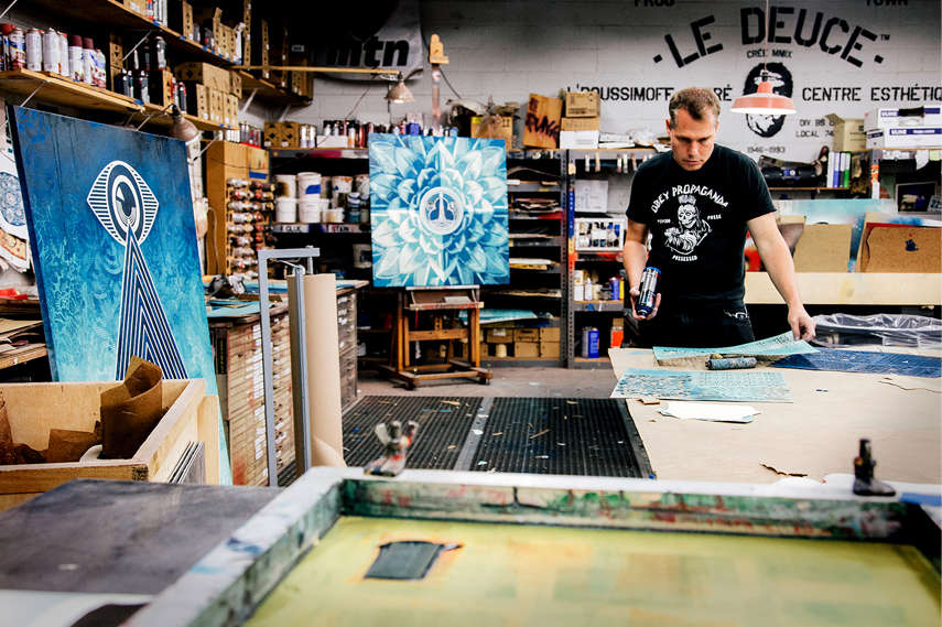 Shepard Fairey in the process of making the art pieces for the upcoming Earth Crisis exhibition - Image courtasy of Galerie Itinerrence