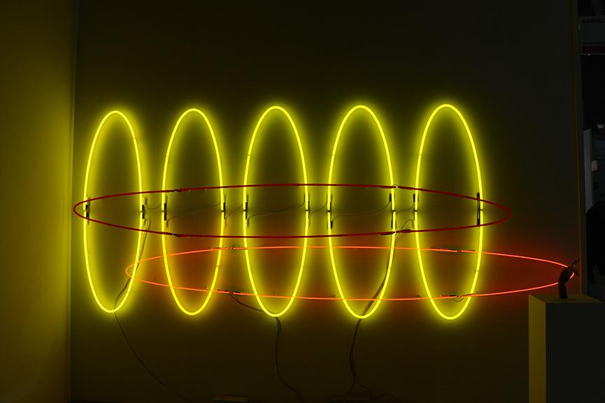 Shezad Dawood - Elliptical Variations II, 2014.Wall-mounted neon, 160 x 400 cm. Courtesy Galerie Gabriel Rolt