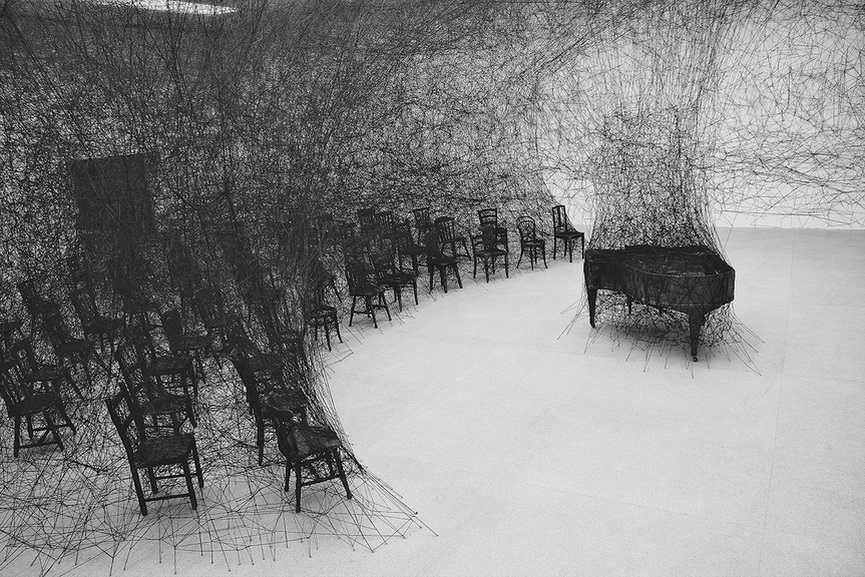 Shiota Chiharu - In Silence