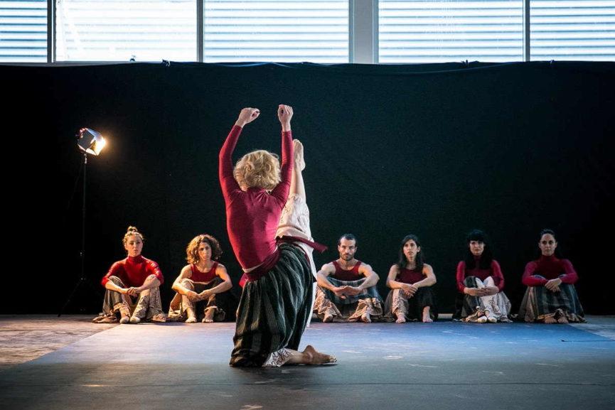 Sima Dance Company at Quoz Arts Festival, Dubai, 2016. Photography Fadi Gwany