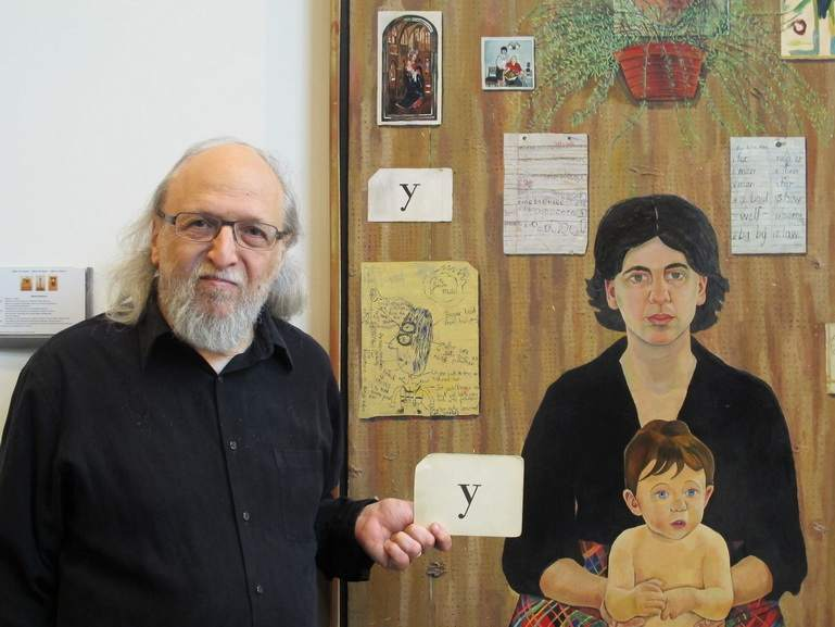 Simon Dinnerstein in front of The Fulbright Triptych