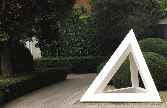 Sol LeWitt-Three-Sided Pyramid-1991
