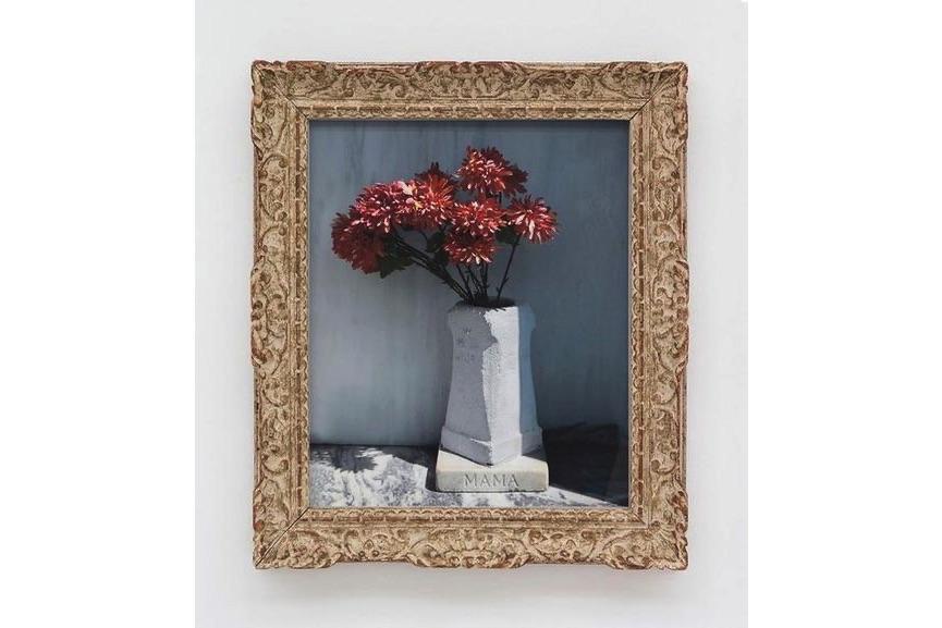 Sophie Calle - Mama (dans le vase) n°3, 2012