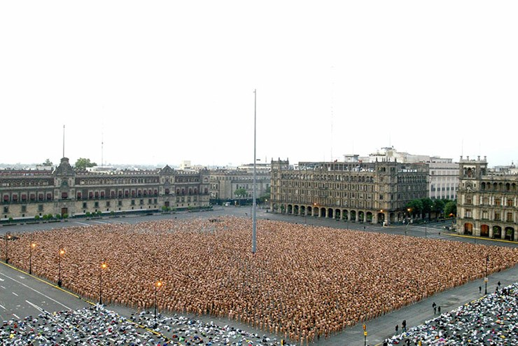 The naked art of Spencer Tunick is rarely focused on nudity but rather on the place of humans and our humanity within the contemporary world