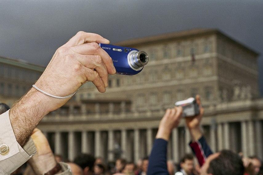 St. Peter's Square, Rome, Italy, 2005 © Martin Parr Magnum Photos