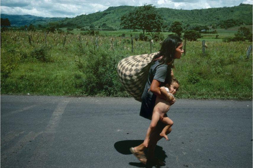 Susan Meiselas - Esteli, Nicaragua, 1978 - magnum book Carnival Strippers are pictures of American revolution in America