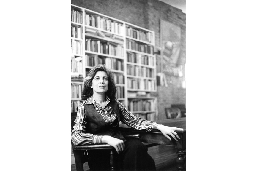 Susan Sontag photographed in her home 1979 © Lynn Gilbert