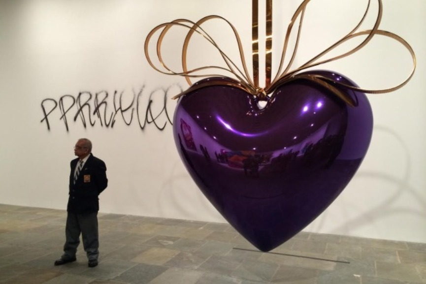 Tagging Koons