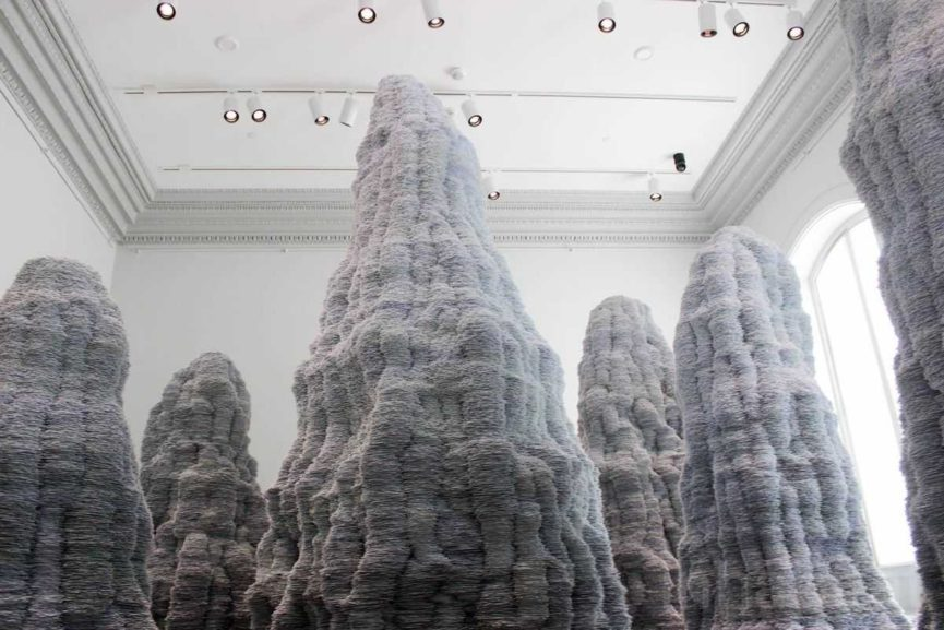 sculptor wants to create pieces that look like mountains