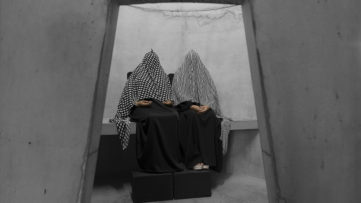 Taryn Simon - Marisol Rosalía Fernández and Ana Fernández, Venezuela, An Occupation of Loss, 2016