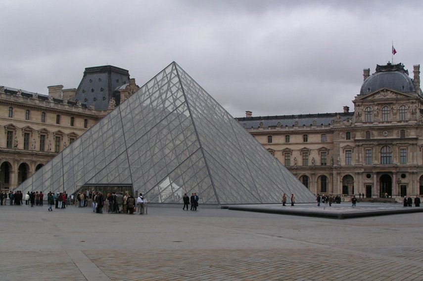 The Louvre - Image via Aparisguide com