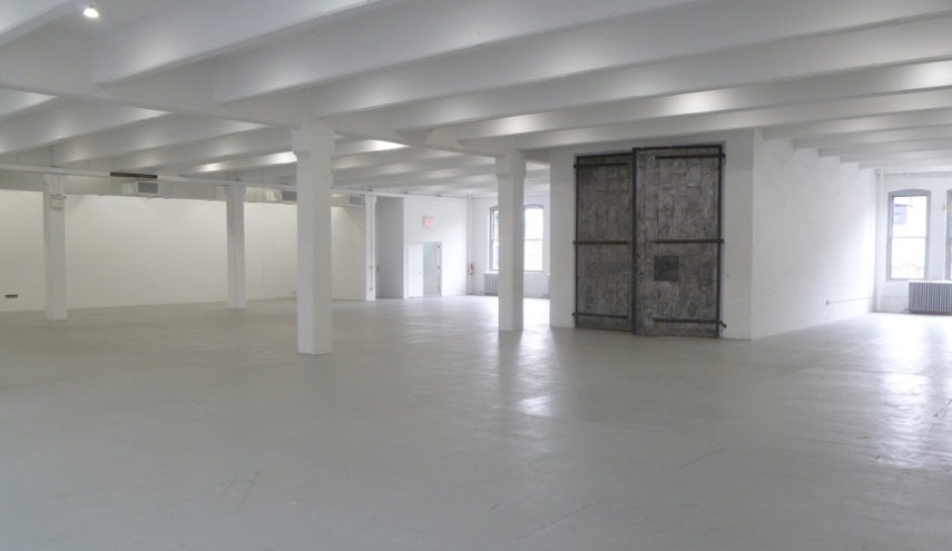 The Spooky Whiteness of an Empty Art Gallery