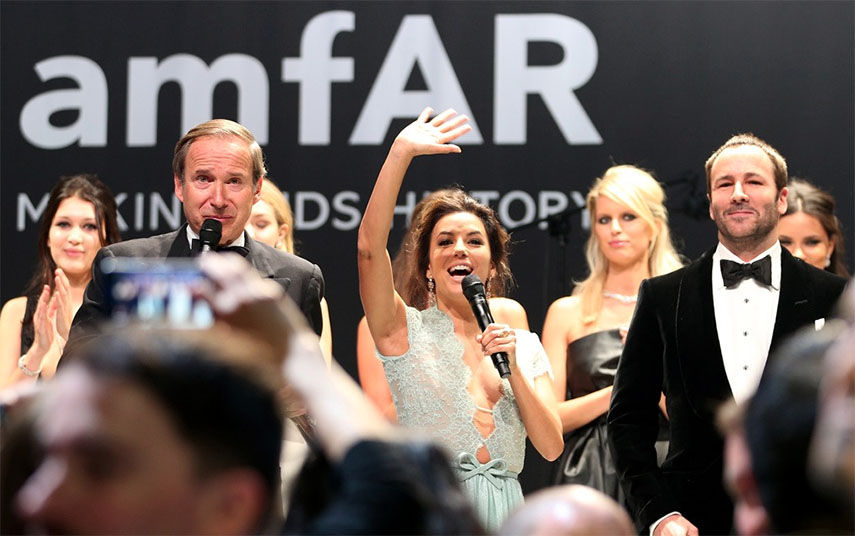 Jeff Koons and Banksy Raise Millions at amfAR Auction in Cannes