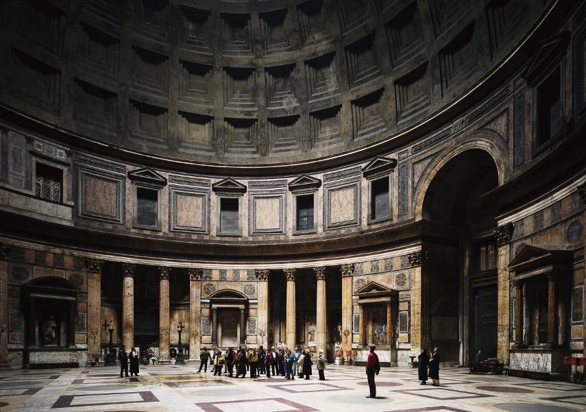 Thomas Struth - Pantheon Rome, 1990 - Image via theculturetripcom