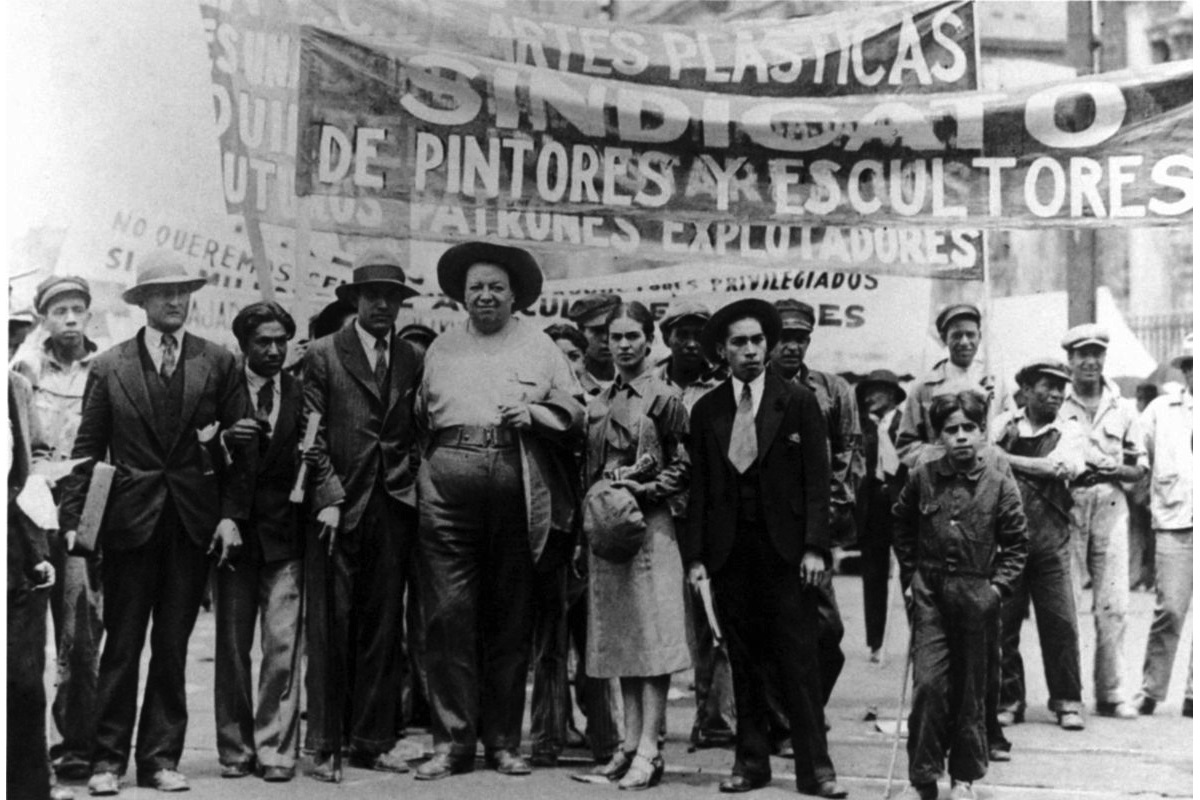 the Italian Tina Modotti - Frida Kahlo e Diego Rivera and members of the party, Mexican 1st of May