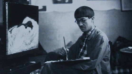 Tsuguharu Foujita in his studio