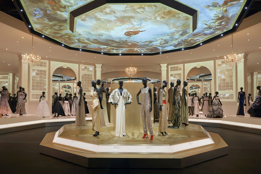 V&A, Christian Dior Designer of Dreams exhibition, Ballroom gallery Section