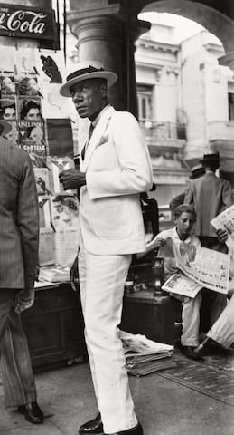 Walker Evans-Citizen in Downtown Havana-1933