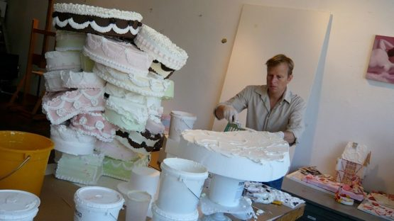 Will Cotton - Artist in his studio - Photo Credits Kid In