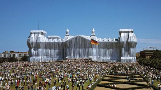 Wolfgang Volz - Christo and Jeanne-Claude Wrapped Reichstag - Berlin - 1971-95