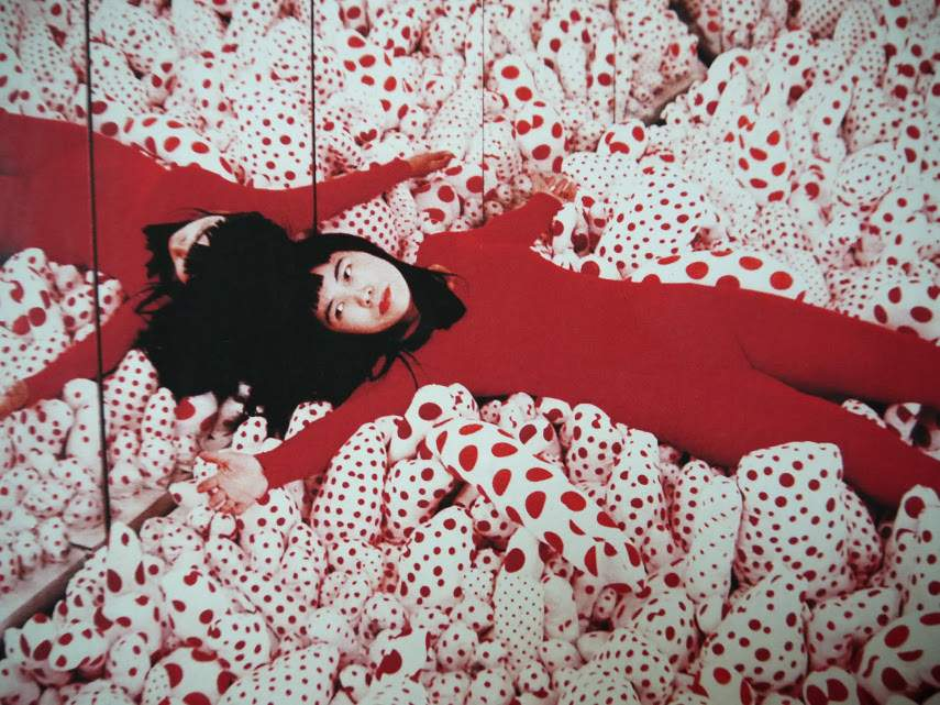 Yayoi Kusama - Accumulation, 1963 - In the gallery or museum exhibitions, the infinity of installation is how you view arts