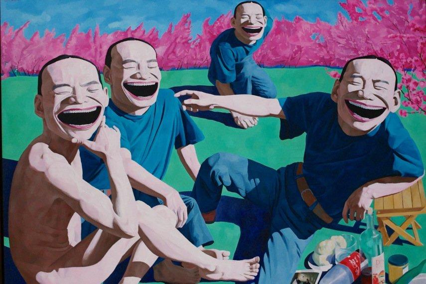 Yue Minjun uses repetition art as a principle