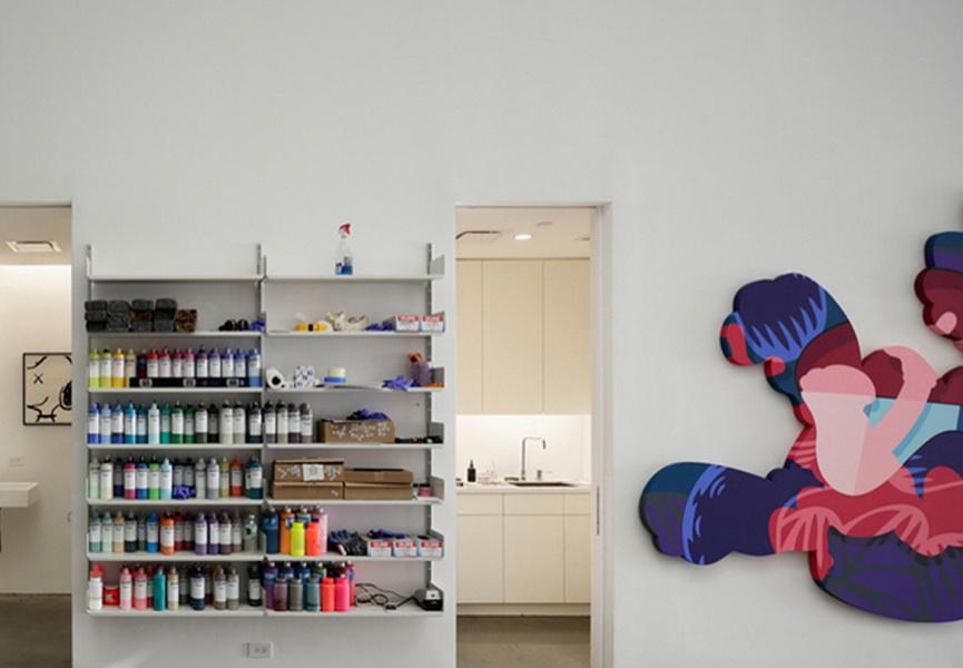 Kaws - Studio