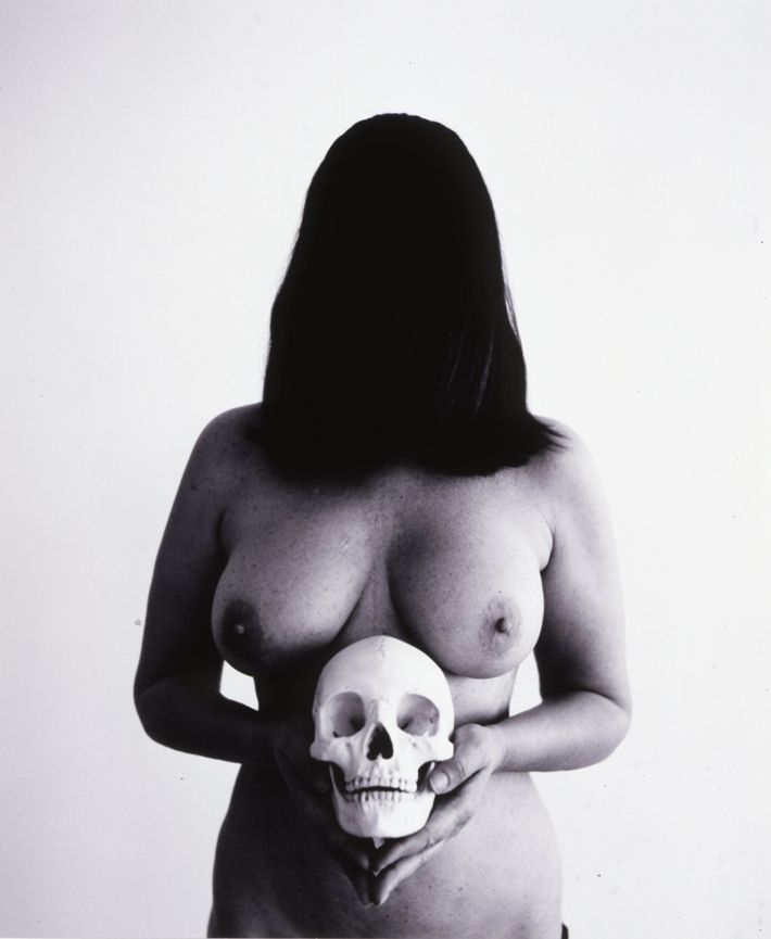 marina abramovic, Self portrait with skull