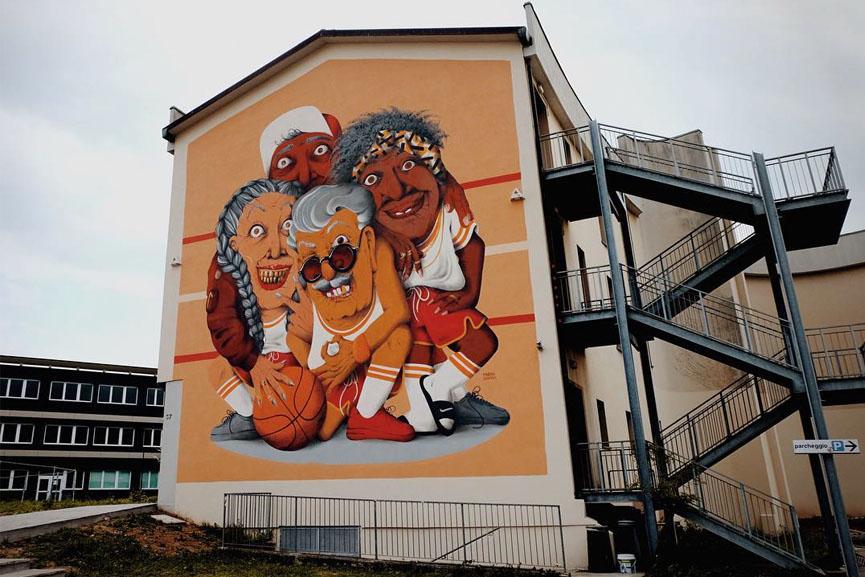 Marina Capdevila mural in Bergamo