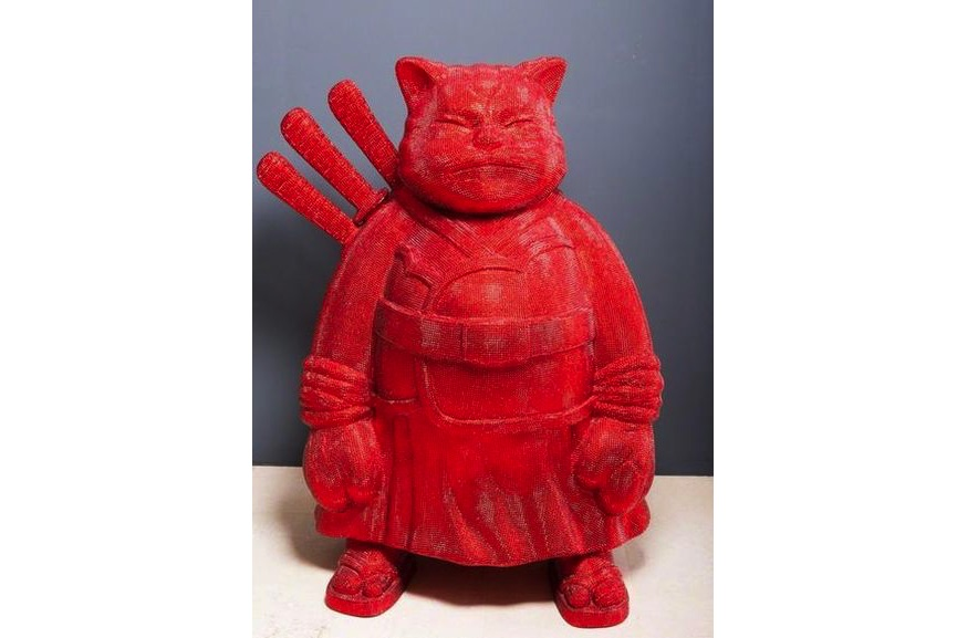Hiro Ando - samuraicat diamondstrass, 2006, based on the lucky cat figure